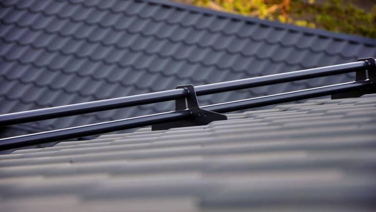 Talven aiheuttamat tuhot omakotitalon tai mökin katolla – mitä on otettava huomioon?